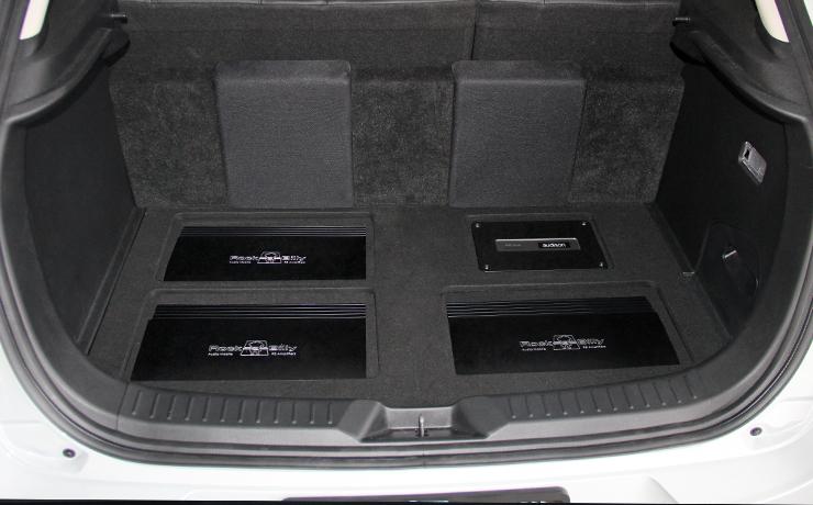 ติดตั้งเครื่องเสียงรถยนต์ Mazda CX-3 ดิจิตอลทีวี ชุดกล้อง 360 องศา เปลี่ยนลำโพง ตู้ Subwoofer เพาเวอร์แอมป์